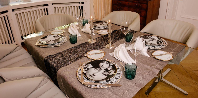 Gedeckter Tisch Fornasetti Mustermix In Schwarz Weiss Und Ein Bisschen Petrol Lieblingsstil
